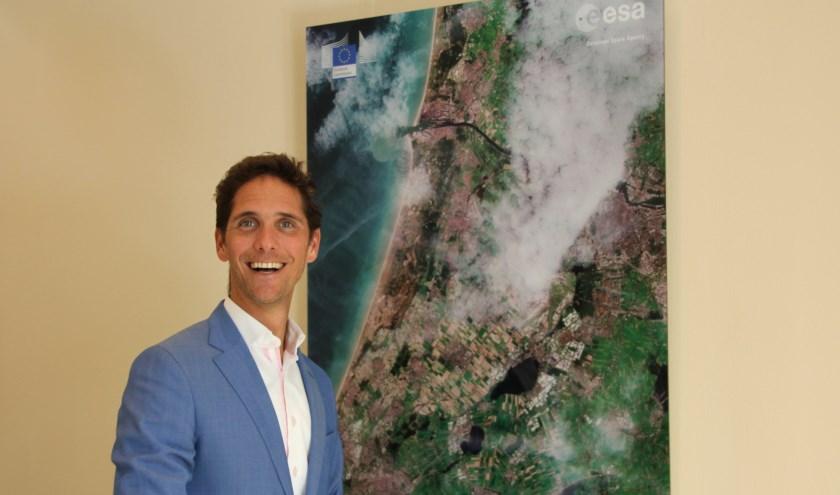 Wethouder Roberto ter Hark wil Noordwijk meer laten profiteren van de ruimtevaart.  | Foto: Wim Siemerink