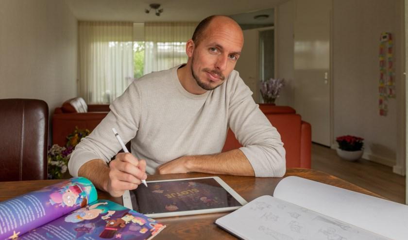 Illustrator Henk van der Gugten schetst eerst op papier en tekent dan op de iPad.