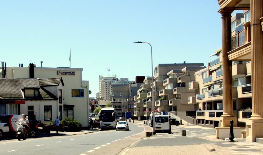 Het verdwijnen van parkeerplekken aan de Parallelboulevard moet wel worden gecompenseerd. | Foto: WS