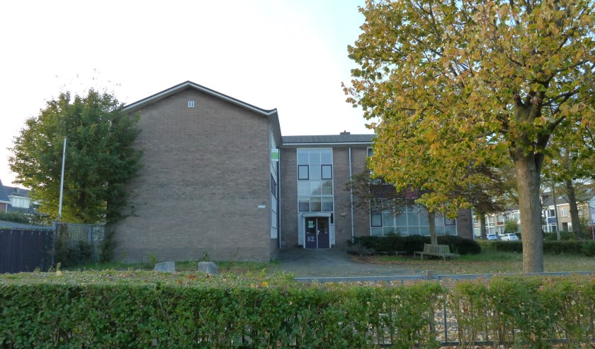 In de voormalige School met de Bijbel worden appartementen voor senioren gerealiseerd.