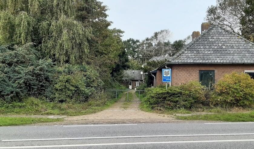 De meeste barakken aan de westkant van de Wassenaarseweg moeten worden gesloopt om plaats te maken voor de waterwinning, vindt Dunea. | Foto: RD