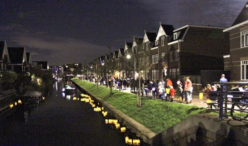 Als verrassing hadden de bewoners van de huizen die langs de route lagen hun best gedaan om een steentje aan het lichtfestijn bij te dragen.