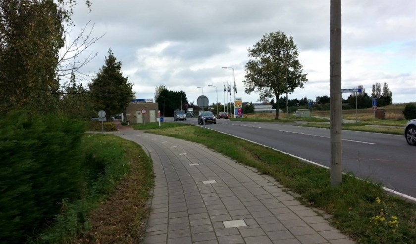 Uitstel overname van Noordwijkerweg-N449 vanwege 'verdachte' grond. | Foto: CvdS.