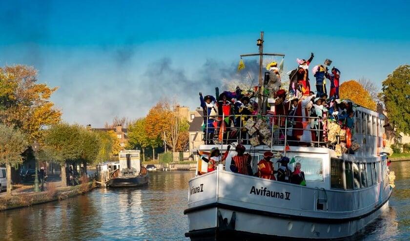De aankomst van de pakjesboot bij de Ockenrode in 2018.