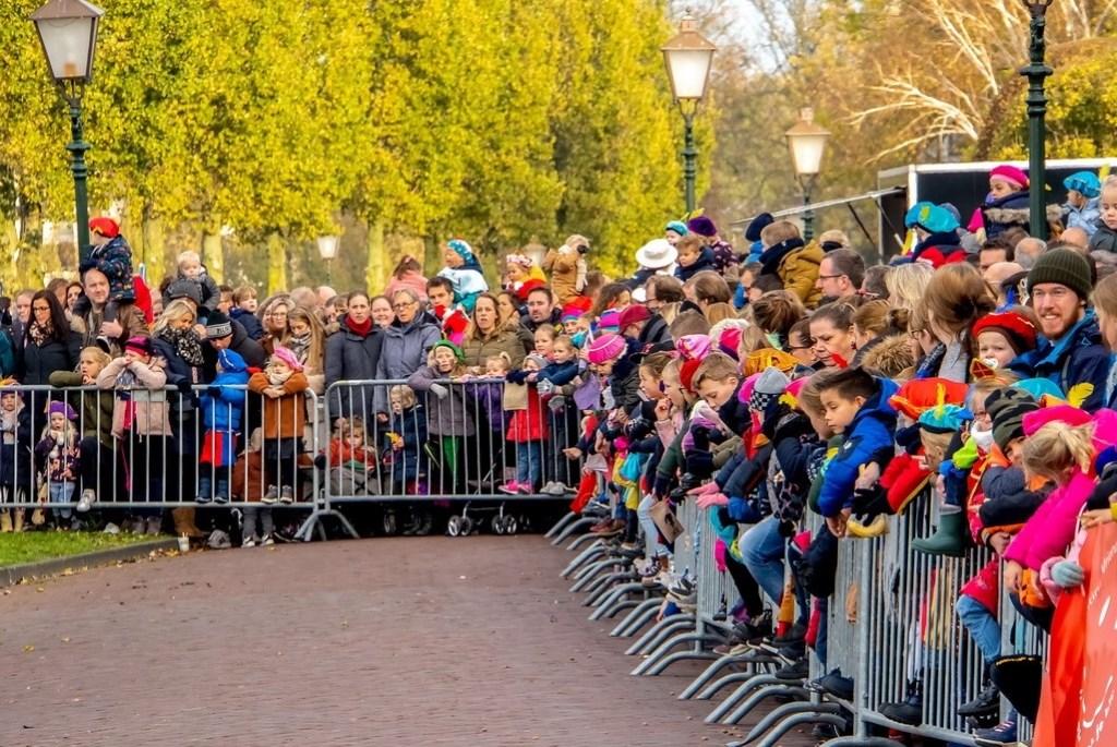 Wachten op Sinterklaas Foto: J.P. Kranenburg © uitgeverij Verhagen