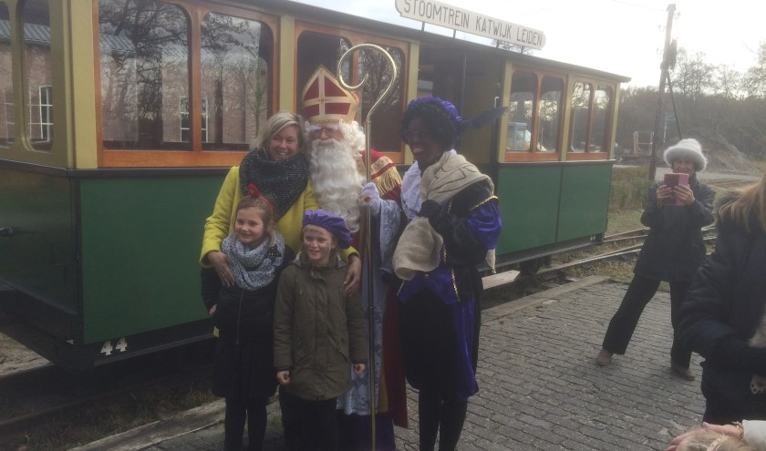 Op de foto met Sint en Piet bij de stoomtreinexpress.