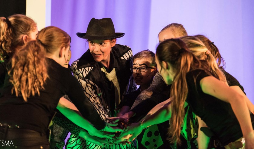 Scene uit de musical Esther. | Foto: De Vliegende Speeldoos.