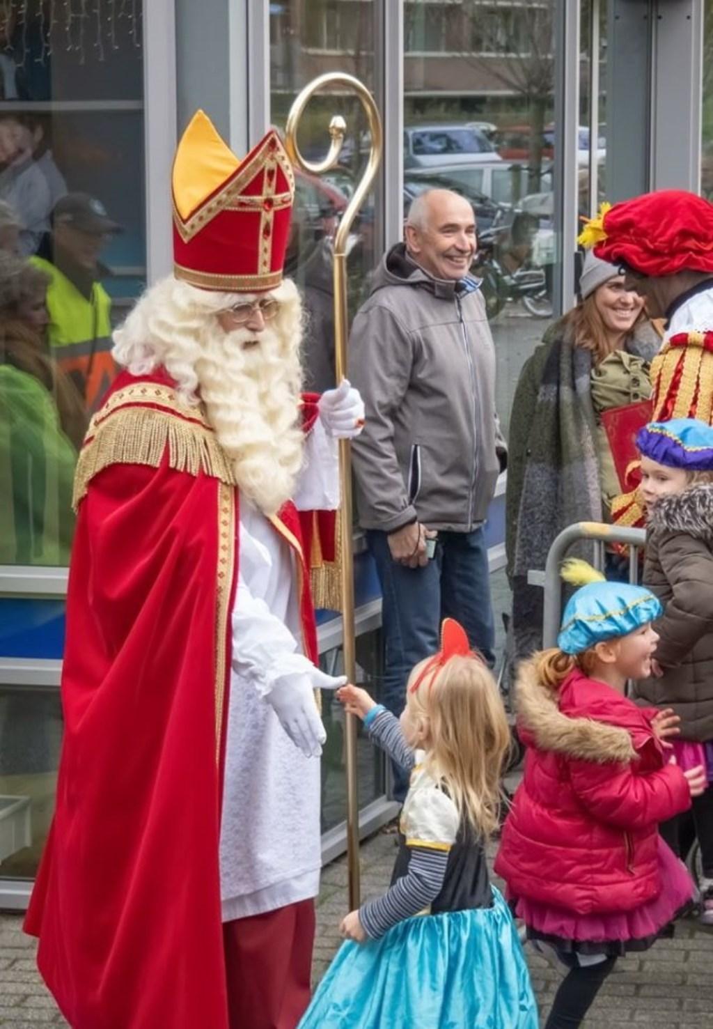 Welkom Sinterklaas! Foto: J.P. Kranenburg © uitgeverij Verhagen