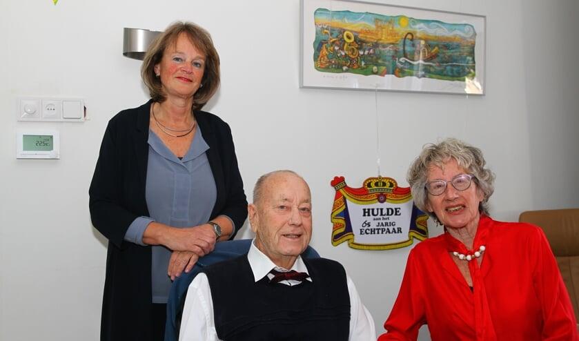 De geboren Amsterdammers Han en Rita Greve wonen al 47 jaar in Lisse en genoten van het burgemeestersbezoek.