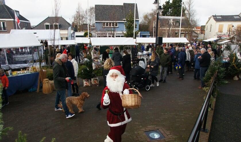 Voor de dertiende keer wordt het kerkplein omgetoverd tot kerstmarkt. | Foto: pr.