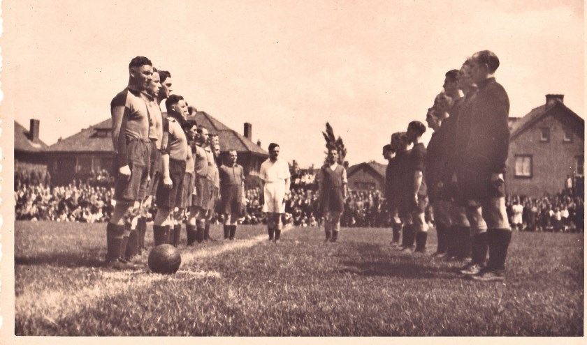 Op 3 juni 1945 speelde het Engelse landleger een voetbalwedstrijd tegen de Engelse luchtmacht op het veld van ASC.