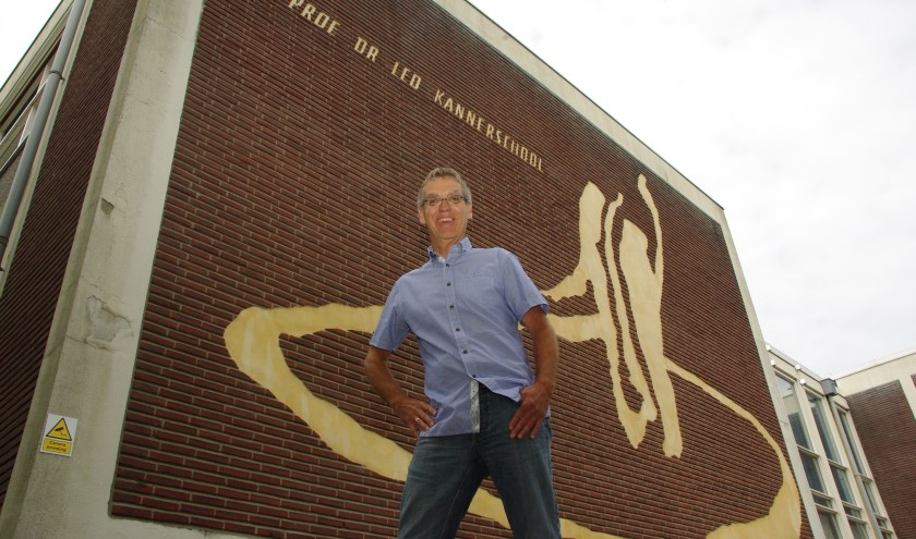 De Prof. Dr. Leo Kannerschool zal van de huidige lokatie aan de Hazenboslaan vertrekken. De huidige directeur, Douwe Splinter, heeft jarenlang geijverd voor een beter schoolgebouw.