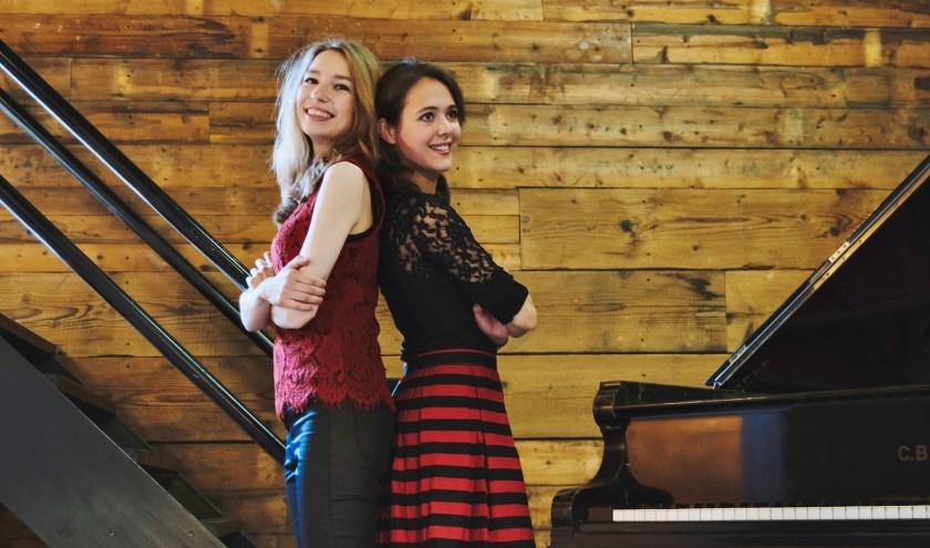 Elsbet Remijn en Claudette Verhulst vormen het pianoduo Beth & Flo.