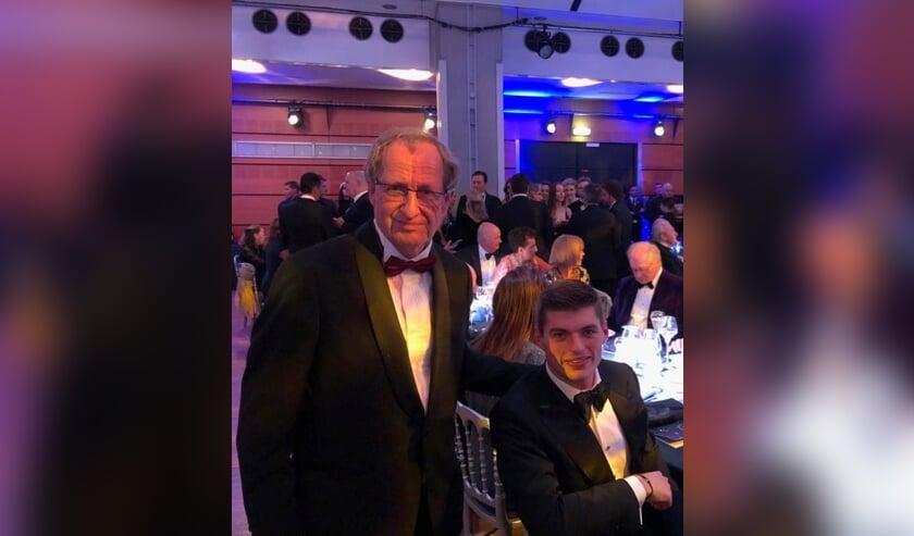 Intussen is Bresters (l.) al veel op stap. In Parijs, tijdens de gala-avond van de FIA (waarmee de FIVA samenwerkt) ontmoette hij Max Verstappen.