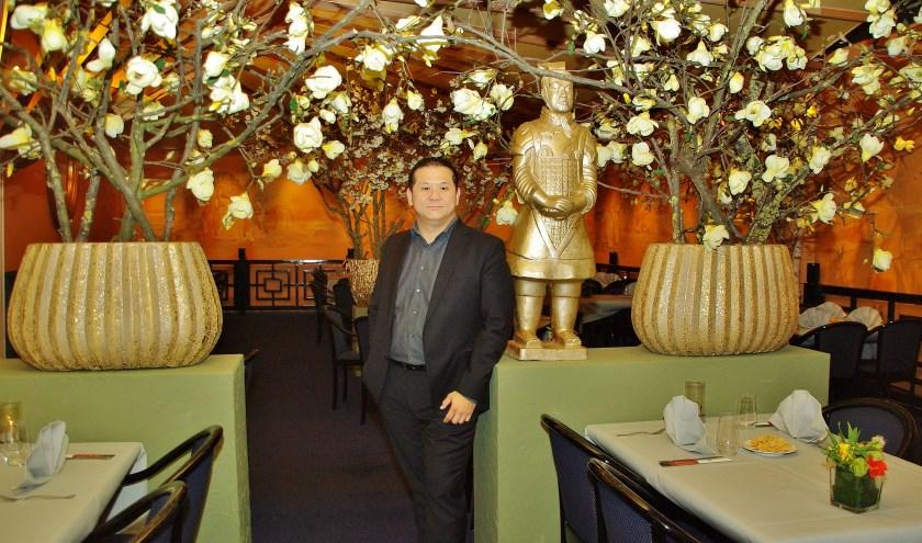 Ka Lun Ip in zijn prachtig vernieuwde restaurant.