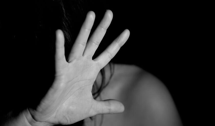 De cursus Met alle geweld een relatie is onder meer bedoeld voor vrouwen die te maken hebben gehad met een mishandelende partner en willen voorkomen dat ze daar weer mee geconfronteerd worden.