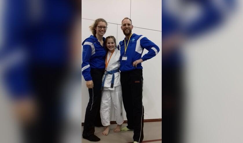 Eva Hornsveld, Myrthe Dekker en trainer Johan Zagers. | Foto: pr.