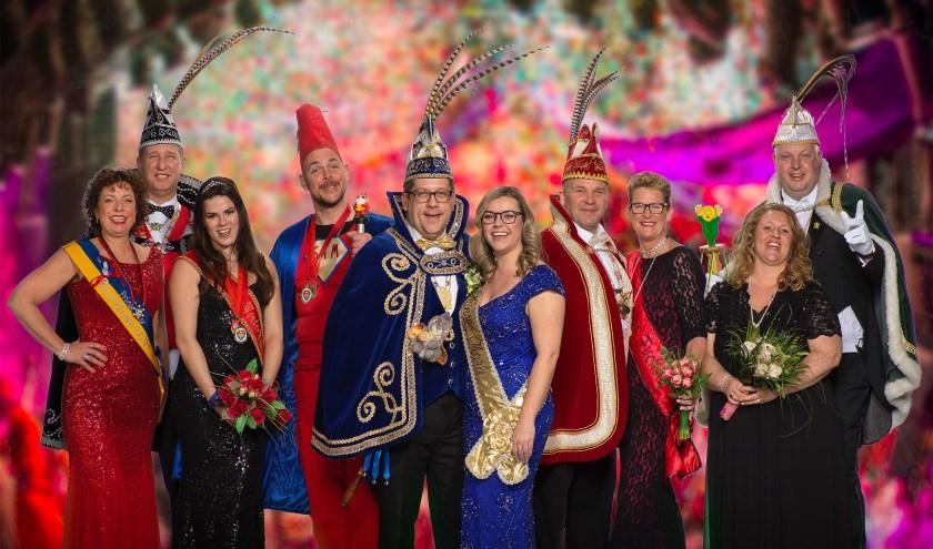 Groepsfoto van alle prinsenparen van de nieuwe gemeente Noordwijk. | Foto: Steven Bemelman.