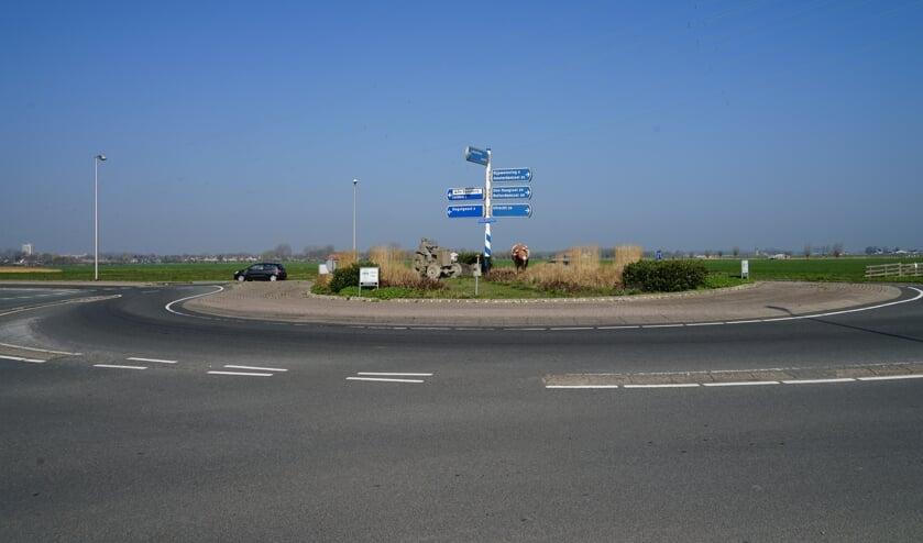 De 'Koeienrotonde' tegenover de Schildwacht in de Leyhof.