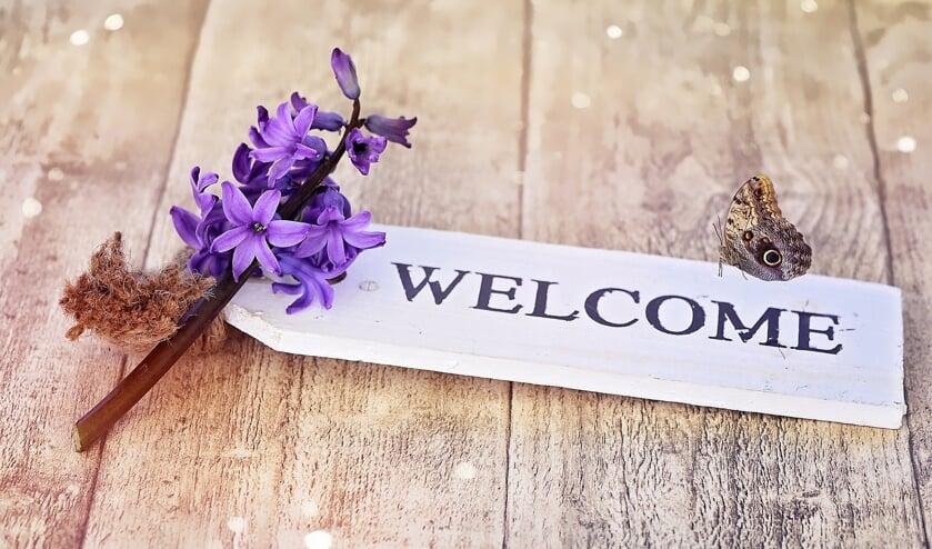 Iedereen is welkom om mee te helpen aan de vervaardiging van het bloemenmozaïek van WelzijnsKompas en Franz van Sluis.