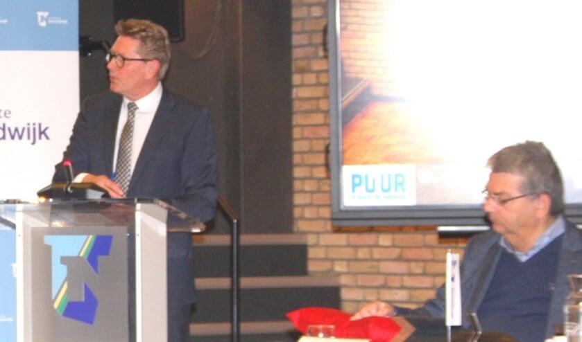 Gerben van Duin: 'Het eerder  geschreven coalitieakkoord is kennelijk in beton gegoten'.