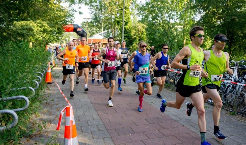 De start van de 6,3 en de 10 kilometer in 2018.   Foto: J.P. Kranenburg