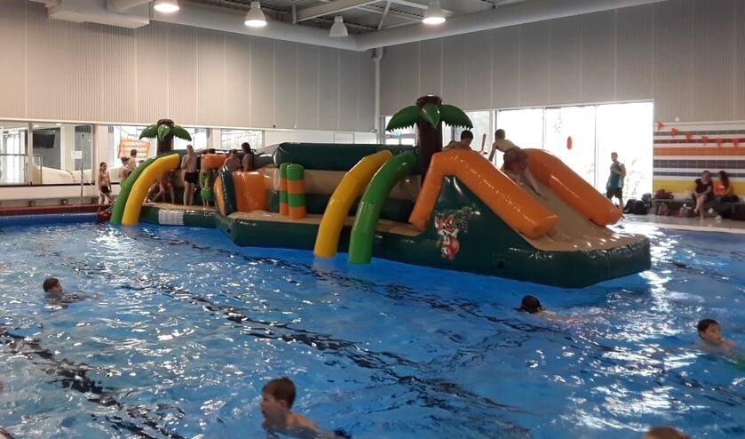 Het zal nog wel een tijdje duren voor er weer allerlei recreatieve activiteiten in het water kunnen worden gehouden in de Waterkanten.