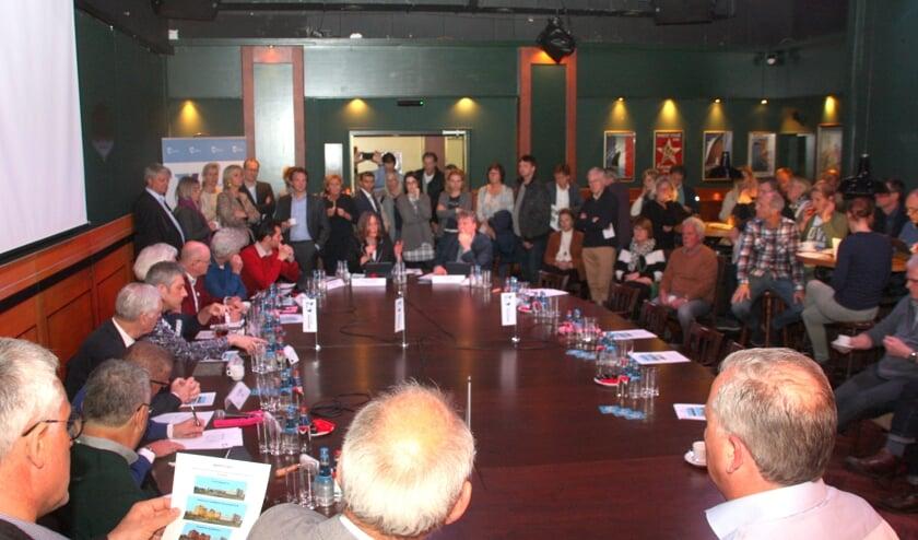 Tijdens het rondetafelgesprek over Groot Hoogwaak ontbraken de omwonenden. | Foto en tekst: Wim Siemerink