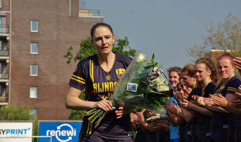 Na de erewissel waren bij veel teamgenoten en coaches tranen te zien.