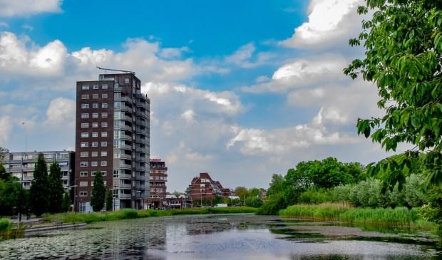 De vijver aan de Laan van Berendrecht, een mogelijke locatie voor een muziektent.  Foto: J.P.Kranenburg © uitgeverij Verhagen