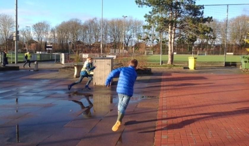 Lekker buitenspelen bij BSO De Vrijbuiters.
