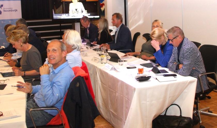Het bespreken van diverse moties bepaalde deze keer de belangrijkste agendapunten.   Foto: WS