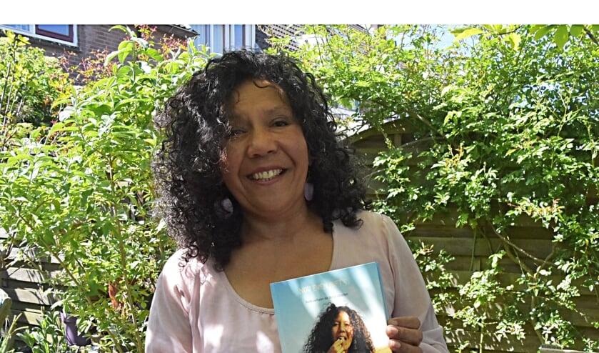 Schrijfster Helen Workala.