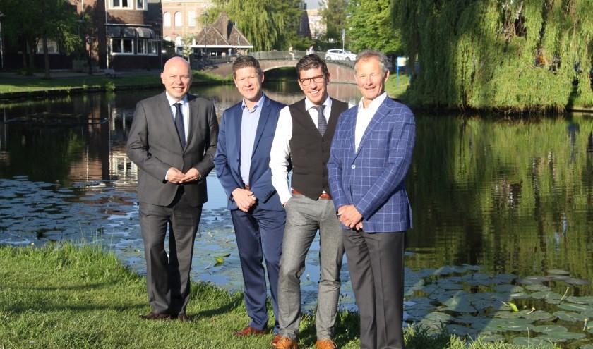 Hans Janssens Voorzitter CML, Hans Gennotte: Centrum-manager, Erwin Roodhart: Manager Stadsbreed OL, Nico Tates: Voorzitter, Ondernemend Leiden
