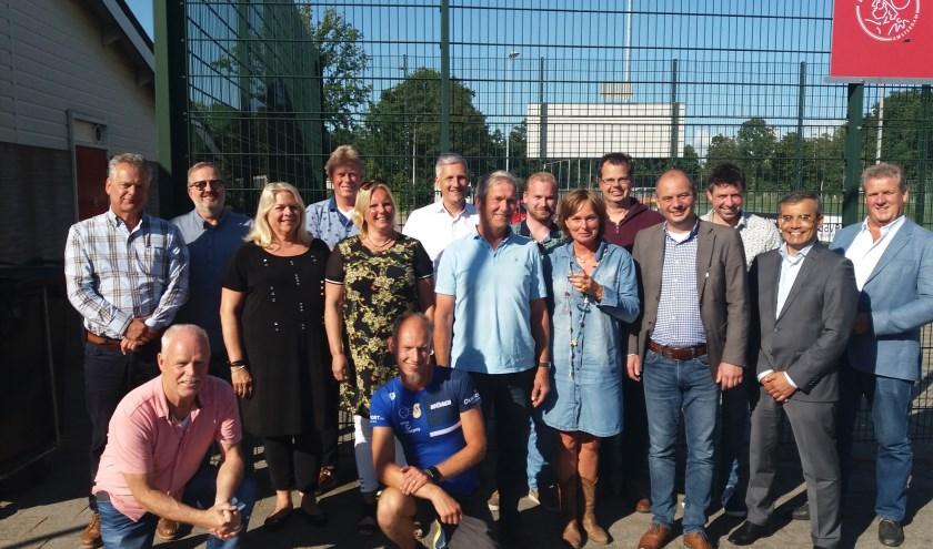 Vijftien voorzitters van Voorhoutse verenigingen bijeen voor overleg. | Foto: pr.