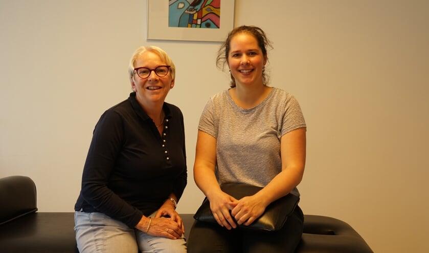 Juke Haanraadts (links) heeft haar patiënten met een gerust hart overgedragen aan Jolanda Plijter.
