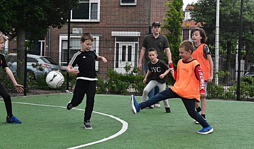 De kids konden naast voetballen, ook andere sporten doen. | Foto: Piet van Kampen