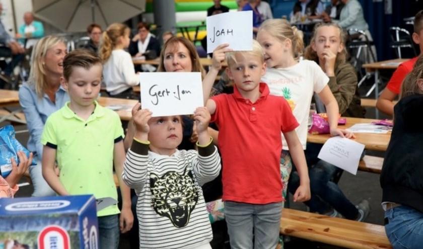 De kinderveiling, een nieuw onderdeel van de jaarlijkse veiling van Werkgroep De Ruyter.