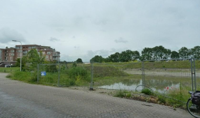 Van der Hulst is begonnen met de eerste activiteiten voor de bouw van woningen naast La Cascade.