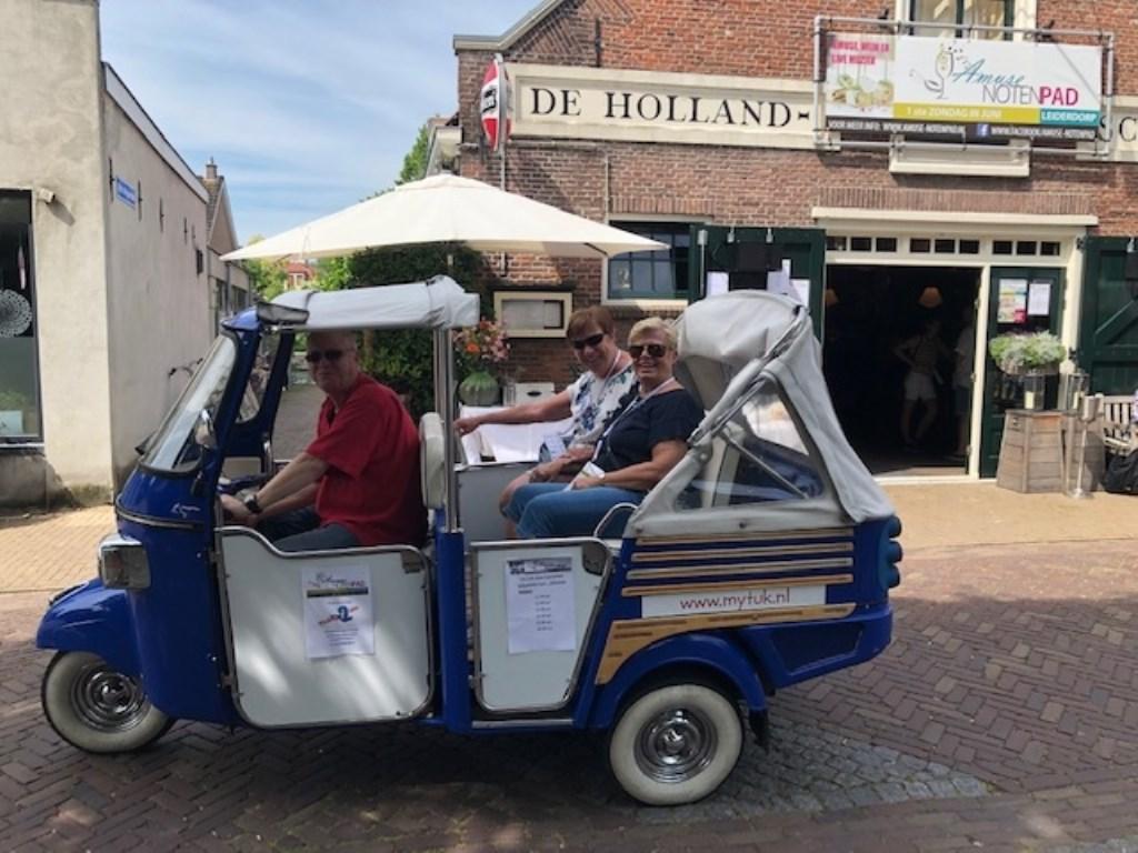 Op pad met de tuktuk.   Foto: PR Foto: PR © uitgeverij Verhagen