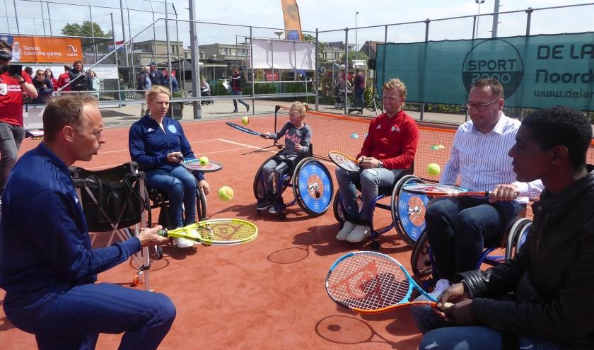Ook was er aandacht voor tennis tijdens de Kampioenendag. | Foto: Ina Verblaauw