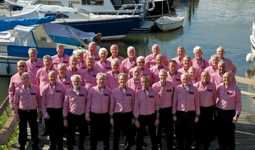 Meisje, ik ben een zeeman! De mannen van shantykoor De Zilk.   Foto: PR