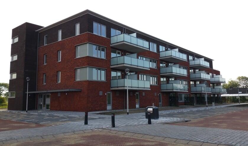 De ingang en balkonzijde van de Buxushaag in Voorhout. | Foto: pr.