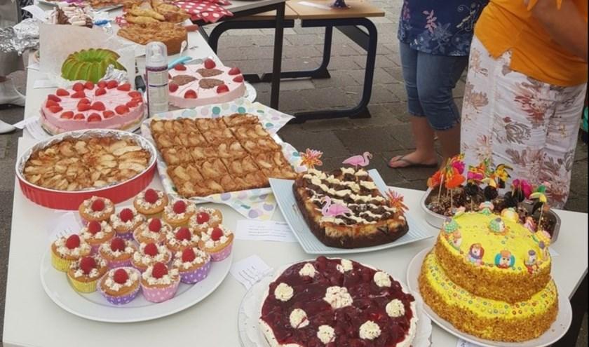 De lekkerste taarten waren een aardbeienkwarktaart, biologische appeltaart en cakepops.