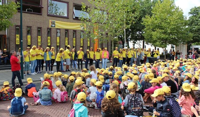 Dankzij de inzet van tientallen enthousiaste vrijwilligers is het mogelijk om de Kindervakantieweek in Oegstgeest te verzorgen. Aanmelden is voor leiding nog mogelijk via www.st-evenementen.nl of 071-5171540.