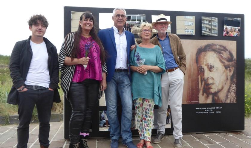 De vier culturele spiegels zijn te zien op de Koningin Wilhelmina Boulevard.   Foto: Ina Verblaauw