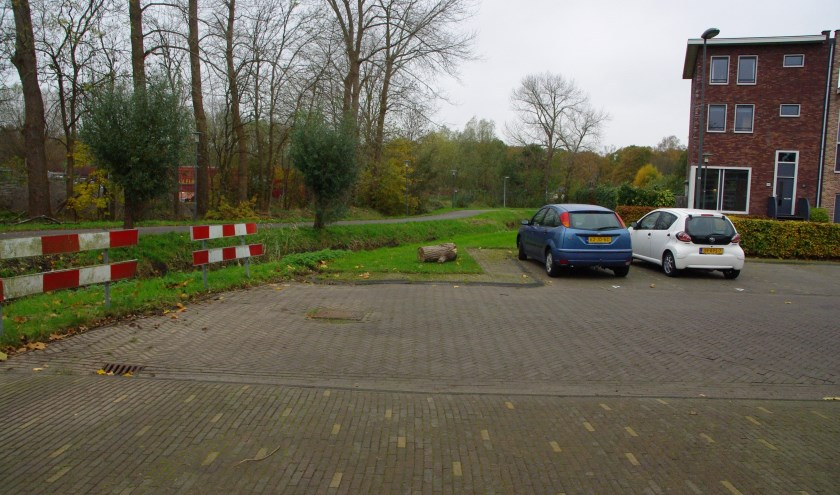 De Hugo de Vrieslaan zal in de toekomst doorlopen (in de vorm van een brug) over de Haarlemmertrekvaart. | Archieffoto Willemien Timmers