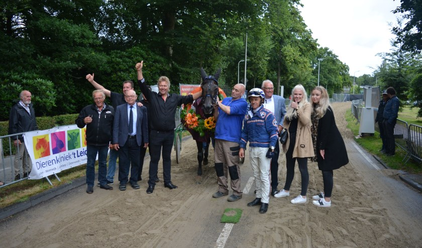 Panic Launcher en John de Leeuw winnen de kortebaan in Warmond. | Foto: pr.