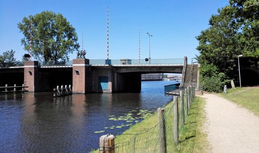 In september starten de werkzaamheden aan de Koningin Julianabrug. | Foto: archief.