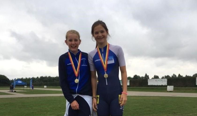 Bo Hoogvorst (l.) en Angel Daleman behaalden ook bij de kampioenschappen van het district Sassenheim het hoogste podium.   Foto: PR